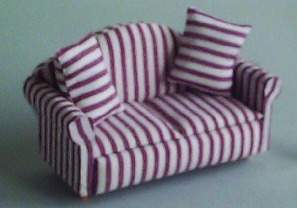 Sofa Rot Weiss Gestreift Puppenhausmobel Massstab 1zu12